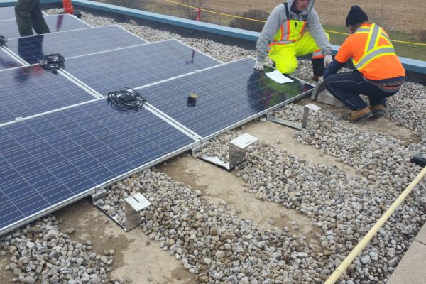 Installing solar panels on a gravel roof